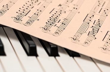 Music Teachers Curb Mistakes & Praise Progress